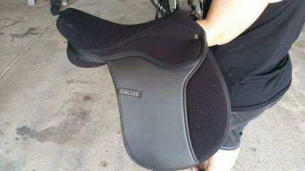 Tackroom clear out - 4 saddles for sale Warners Bay Lake Macquarie Area Preview