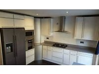 Kitchen & Bathroom Fitter. Joiner. Tiler/Plasterer/Roofer/Flooring/Handyman/Property Development