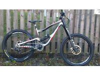 £1000 Nukeproof scalp downhill bike mountain bike