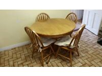 ROUND SOLID KITCHEN TABLE & CHAIRS