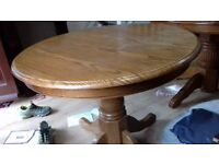 Round dining table,solid oak,non-extendable,carved,90cm,adjust screw,no chairs