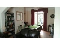 FANTASTIC DOUBLE ROOM IN MASSIVE FRIENDLY SHARED HOUSE IN BOW