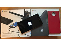 Lumia 950 XL Windows phone with display dock & case, great condition
