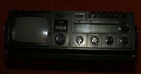 VINTAGE WALTHAM W154 RADIO/CASSETTE/TV. PRICE REDUCED £27.50