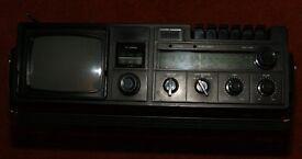 WALTHAM W154 RADIO/CASSETTE/TV. PRICE REDUCED £27.50.
