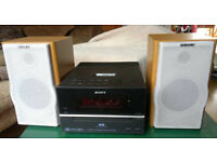 SONY HCD-BX70DBi Micro Hi-Fi Component System CD IPOD Dock DAB with Speakers