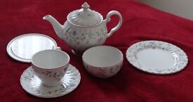 12 setting tea service 'Summer Chintz' by Johnson Brothers