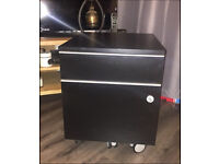 Black lockable two drawer filing cabinet (A4 files included)