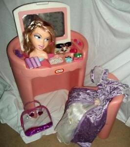 Vanity Little Tikes Tykes, Princess, Barbie or LT Vanity / Desk