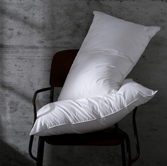 Goose Down Bed Pillows for Sleeping 100% Egyptian Cotton Que
