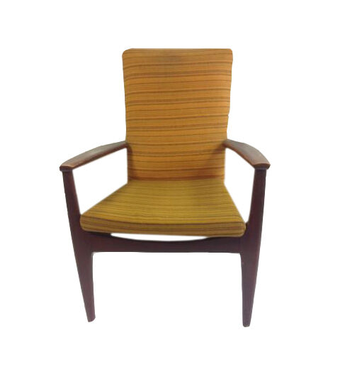 Your Guide To Buying 20th Century Antique Chairs
