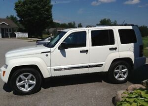 2010 Jeep Liberty certified and etested