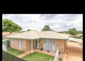 House and granny flat in hillcrest!!! Hillcrest Logan Area Preview
