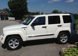 2010 Jeep Liberty Ltd 4x4 SUV
