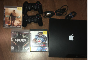 PS3 + 2 CONTROLLERS + 3 GAMES