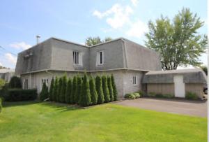 Condo,à vendre,foyer au bois,accès piscine creusée,Drummondville
