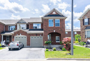 Stunning 3 Bedroom Townhouse End Unit