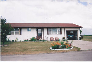 Completely Renovated Large 2 Bedroom Modular Home London Ontario image 1