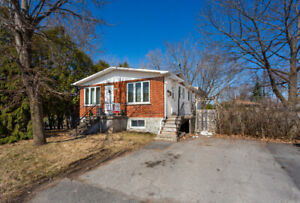 【For Sale】Detached house in Brossard
