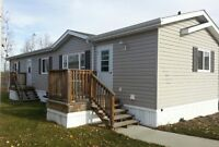 Quality Grandeur Mobile Home Near Pond in Parkland Village!
