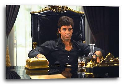 Lein-Wand-Bild: Scarface Tony Montana auf Chef-Sessel aus Leder, Whisky auf Tisc