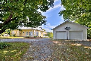 Spacieux bungalow à aire ouverte Gatineau Ottawa / Gatineau Area image 1
