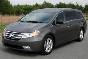 2011 Honda Odyssey Touring Minivan, Van