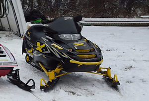 03 polaris 700 with trailer that fits 2 sleds