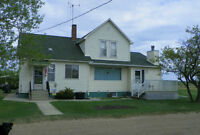 Farmhouse for Rent on Acreage in Camrose/Tofield/Ryley area