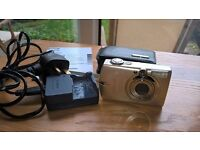 Canon Ixus 750 camera - with case, battery charger, 5GB and 512MB memory cards