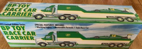 BP Race Car Carrier 1993 Limited Edition Series - Working Lights - Formula 1 car