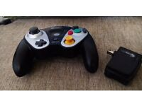 Pelican Wireless Gamecube Controller + Receiver (compatible with Wii & Gamecube)