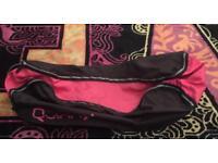 Pink & Black Quinny Zapp travel bag