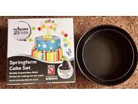 Spring form cake tins