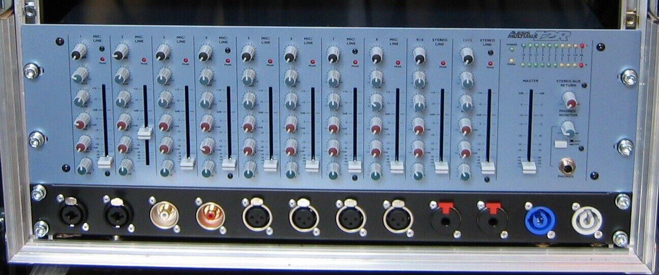 Table de mixage alesis 12r rack 19 pouces avec patch neutrick