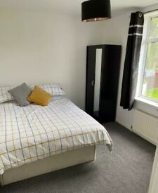 Double Room to Rent in Shared Semi-Detached House in Ferguson Avenue, Surbiton KT5