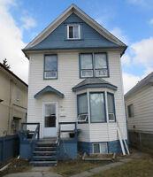 """""""Affordable"""" 2 1/2 Storey 4 BR 1623 sqft Garage $154,900 REDUCED"""