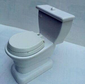 Toilet / Lavatory, Doll House Miniature Bathroom Furniture, 1.12 Scale