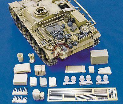 - Royal Model 1/35 German StuG III Ausf.G Tank Stowage & Accessories Set WWII 130