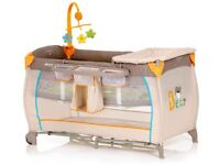 Travel cot station