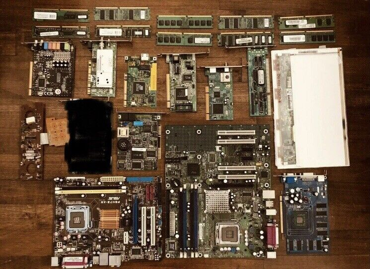 Lot Of Miscellaneous Computer Parts -- Sold as is -- Gold Recovery -- 21 pieces