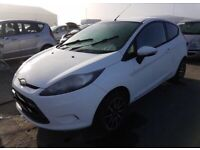 Ford. Fiesta. Front bumper white. Breaking spare parts