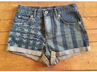 Topshop Moto Flag Print Denim Shorts, Size 6
