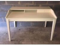 Large White Desk perfect for students or office use! PICK UP ONLY!