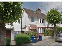 Modern 5 bedroom house to rent on Golders Manor Drive, Golders Green, NW11 9HT