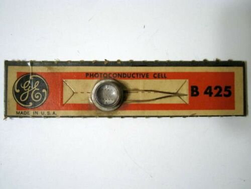 GE ® General Electric ® B425 B 425 Photocell Photoconductive Cell - Antique New