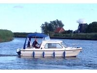Day Boat - Motorboat