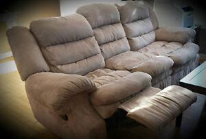 Sofa et chaise 'recliner' à vendre