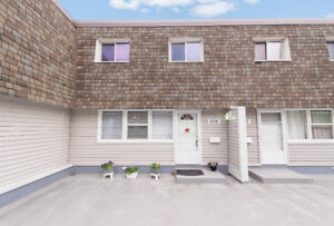 Affordable Chic Townhouse For Sale in Londonderry