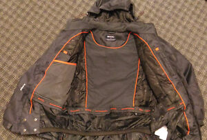 Medium Size Winter Jacket Waterproof and Wind-cutter for -30ºC Kitchener / Waterloo Kitchener Area image 2